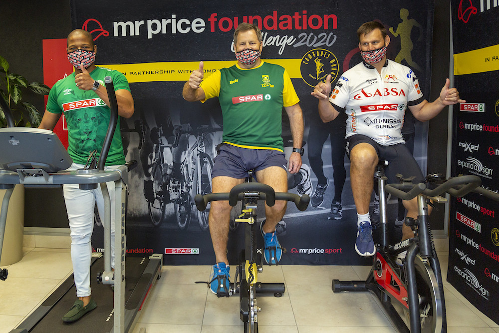 Image caption: (L to R) Menelisi Luthuli from SPAR KZN, SPAR CEO Graham O'Connor and former Sharks captain Wayne Fyvie are preparing for the inaugural virtual Mr Price Foundation Challenge on December 5 and 6.